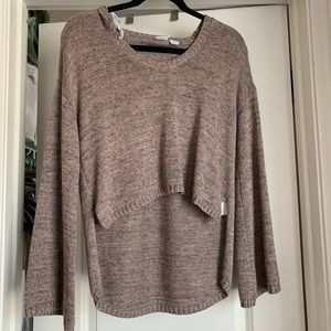 Cropped flare sleeve sweater